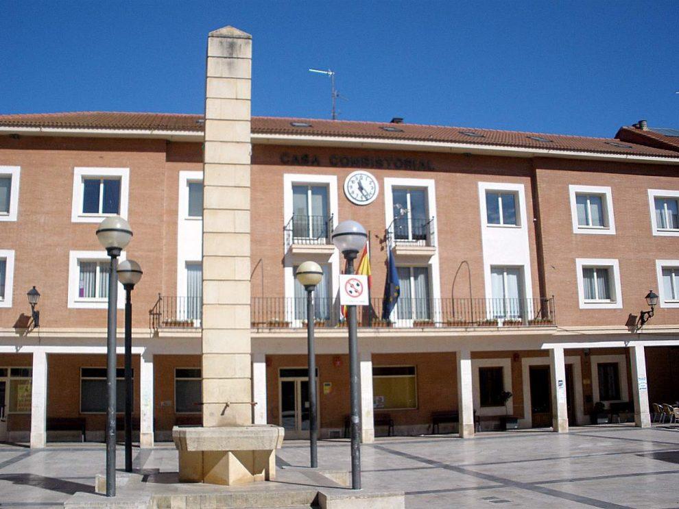 El Ayuntamiento amortiza otros 355.000 euros de deuda y ésta queda ya por debajo de los 800.000 euros