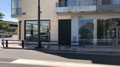 El Ayuntamiento instala una valla de protección en el acceso a Lardero por avenida de San Marcial